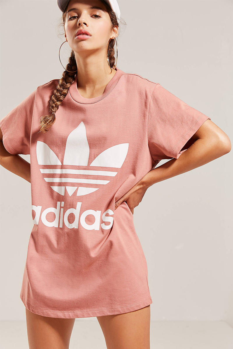 adidas Originals Oversized Dusky Pink Logo T-Shirt Graphic Trefoil Light Pale Dusty Pastel Women's Where To Buy Urban Outfitters
