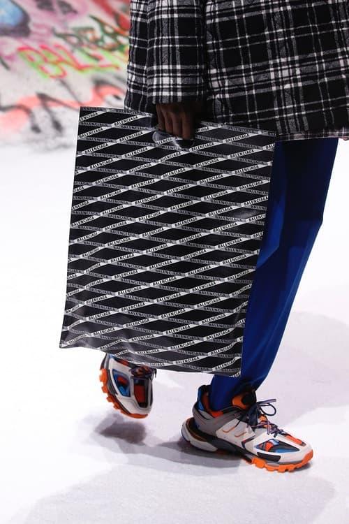 Balenciaga Fall Winter 2018 Sneaker Paris Fashion Week Orange Blue