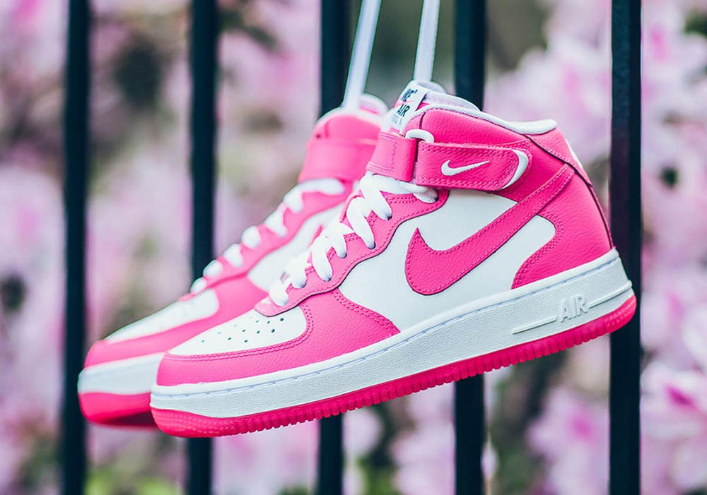 Nike Air Force 1 Mid Hyper Pink