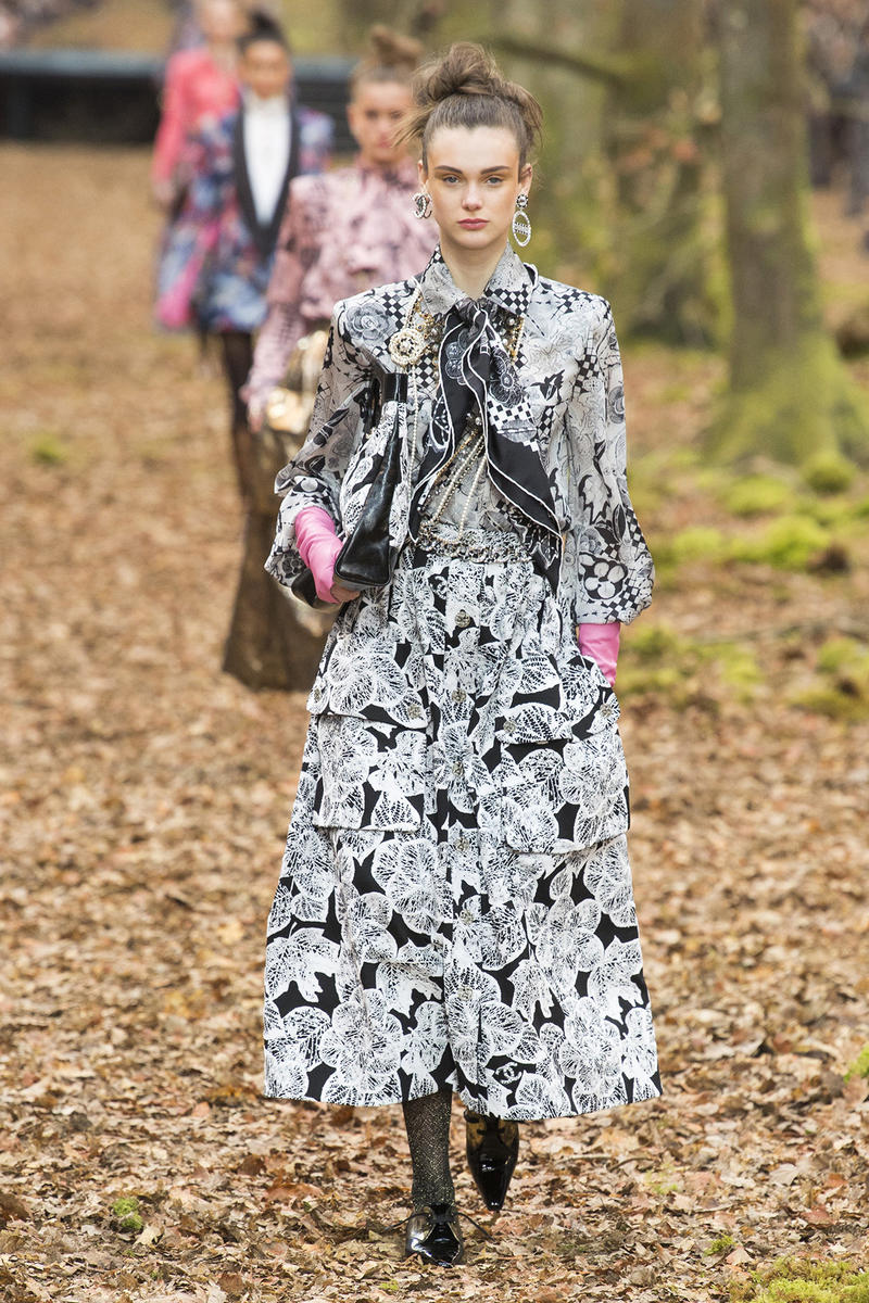 Chanel Fall Winter 2018 Paris Fashion Week Show Collection