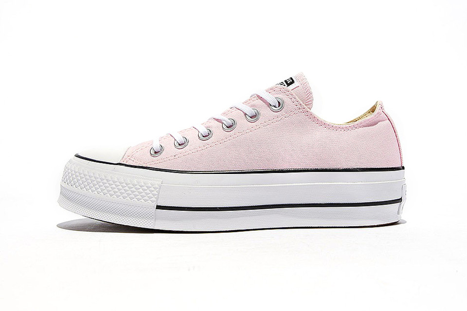 309738476e3f Converse Brings Back the Chuck Taylor All Star Lift Ox In