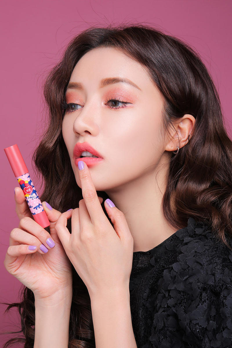 Maison Kitsuné 3CE Stylenanda Makeup Collection Korean Beauty Lip Crayon