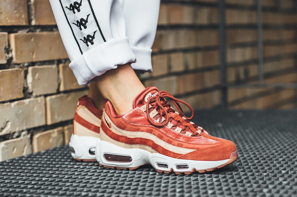 on sale 4f4fe c157d Nike Air Max 95 Dusty Peach Bio Biege Velvet Suede Leather Pink Orange Coral