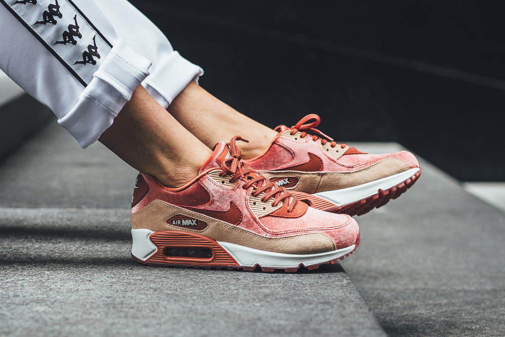 Nike Air Max 90 Dusty Peach Bio Biege Velvet Suede Leather Pink Orange Coral