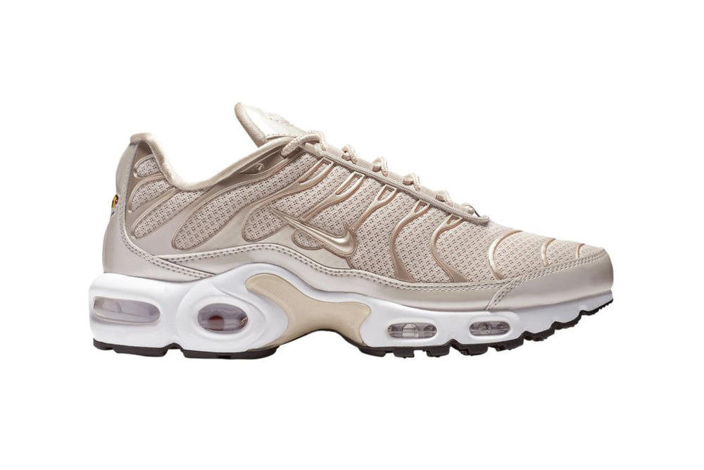on sale a4173 3a1ae Nike Air Max Plus Desert Sand Metallic Rose Pale Gold TN Women s Ladies  Girls sneaker sneakers