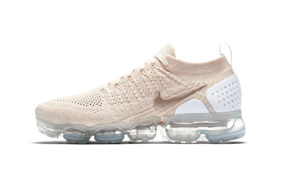160a6063c63b Nike Air VaporMax Flyknit 2.0 in Light Cream