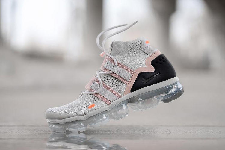 41ccfa108a4 Nike Air VaporMax Utility Light Bone Summit White Pink Black