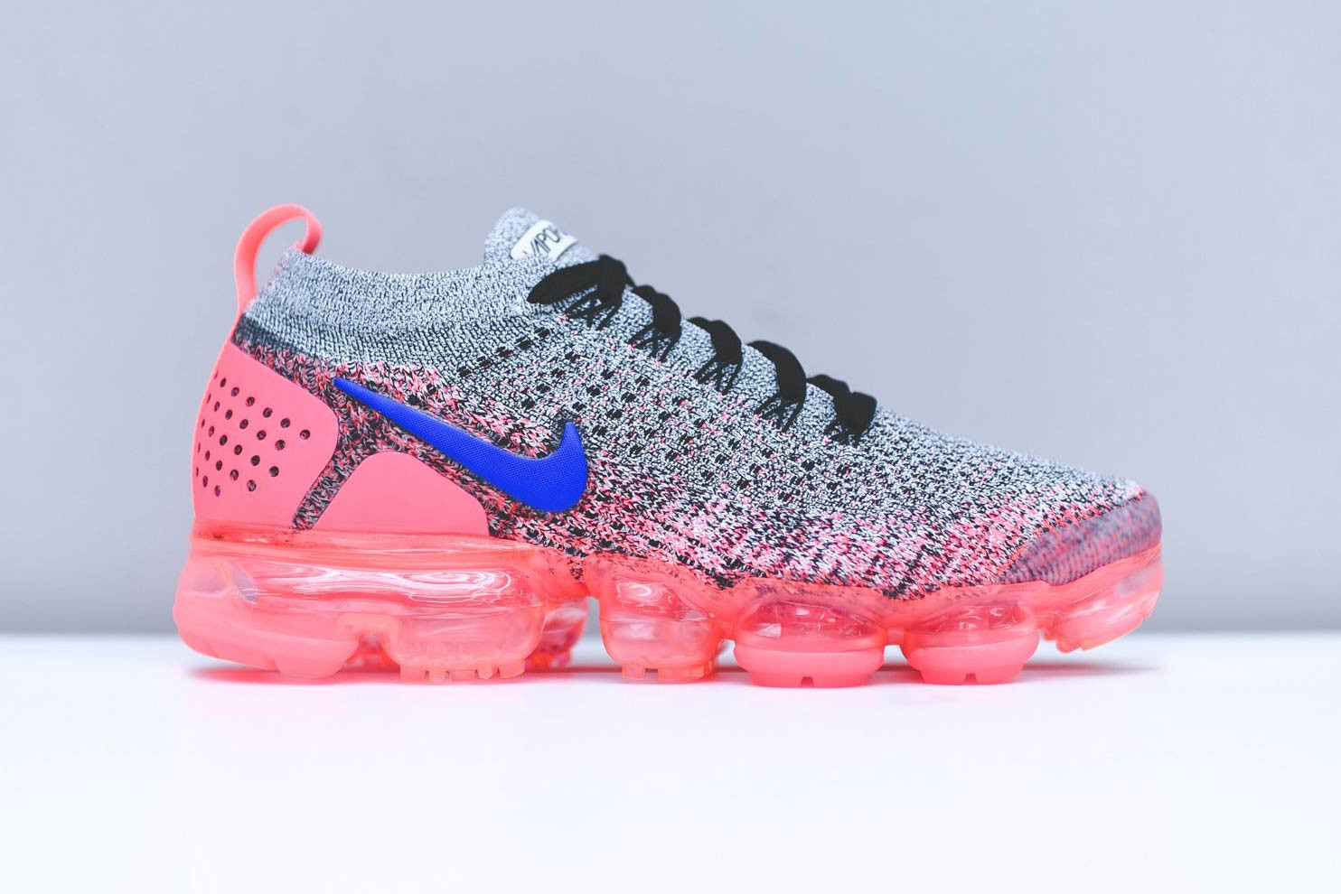 nike vapormax pink and white
