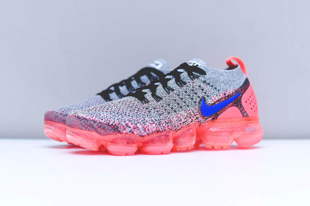 Nike Air VaporMax FK 2 White Blue CrimsonNike Air VaporMax Flyknit 2.0 White Blue Crimson