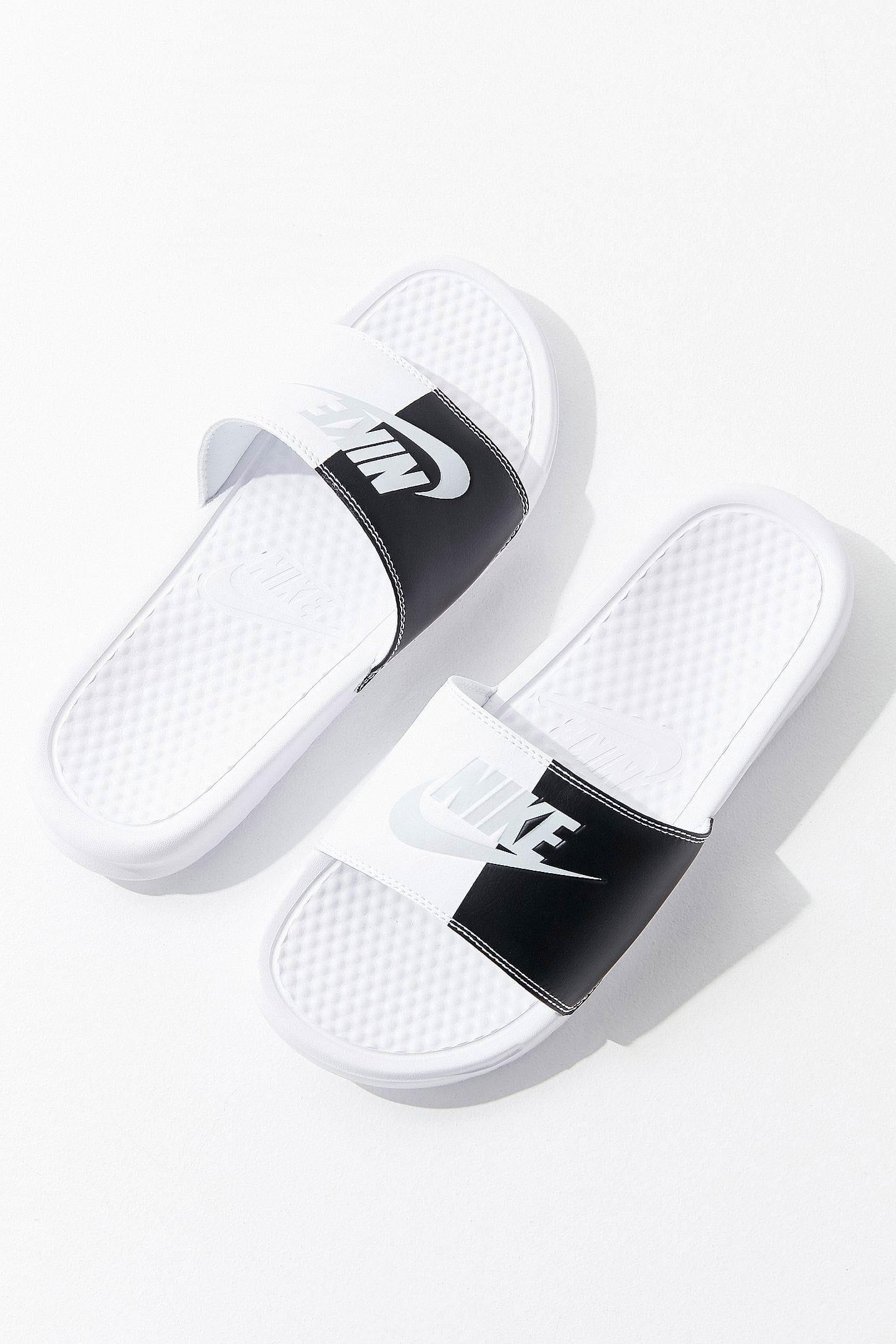 Nike Benassi Colorblock Slide in Black