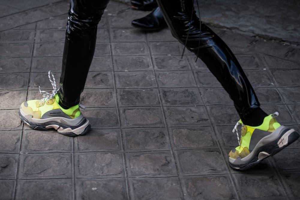 Paris Fashion Week 2018 Streetsnaps Women Balenciaga Triple-S Neon Yellow