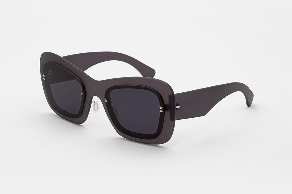RETROSUPERFUTURE LAYERS Sunglasses Line Black