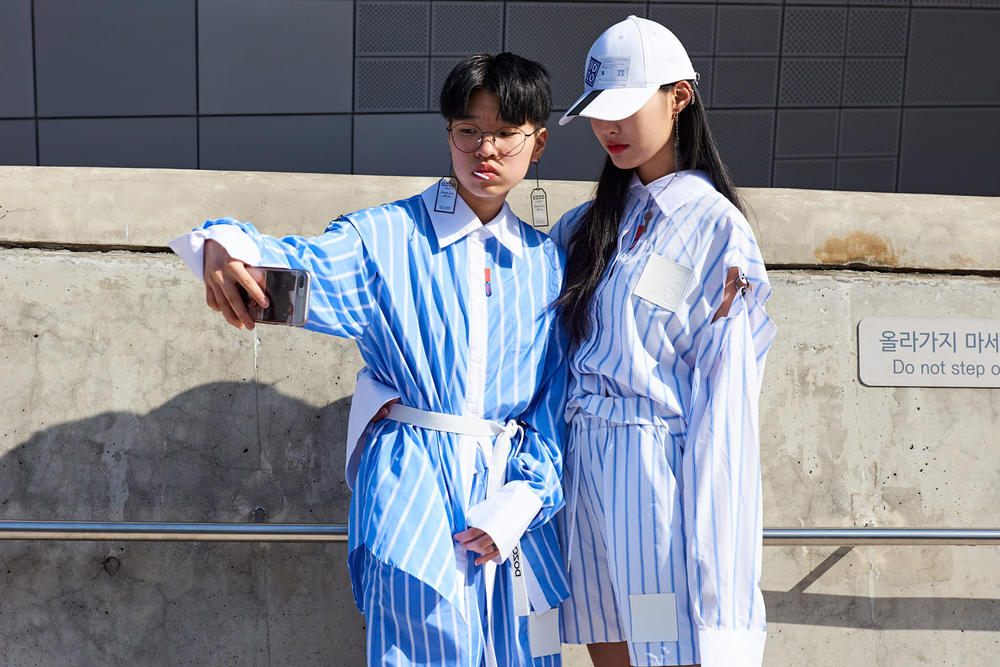 Seoul Fashion Week Fall/Winter 2018 Street Style Streetsnaps Women Streetwear Dior Off-White Nike Air Max 270 ACG Burberry