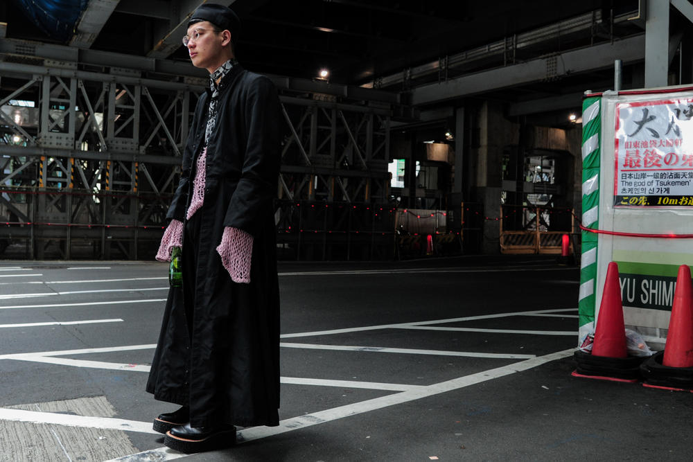 Tokyo Fashion Week 2018 Street Style Snaps Streetwear Spring Summer Streetsnaps Photography Burberry Gucci Rick Owens Nike Margiela