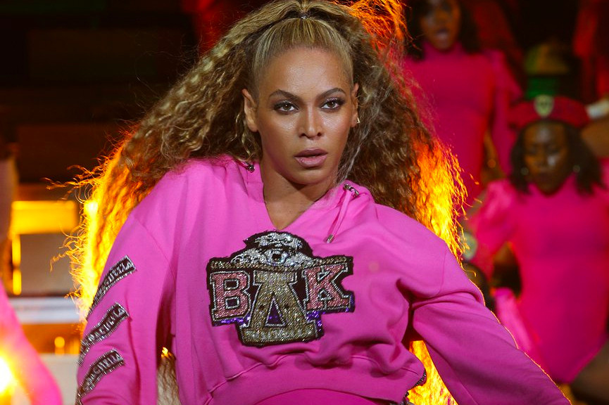 Beyonce S Homecoming Brings Her Coachella Bombast To Netflix The