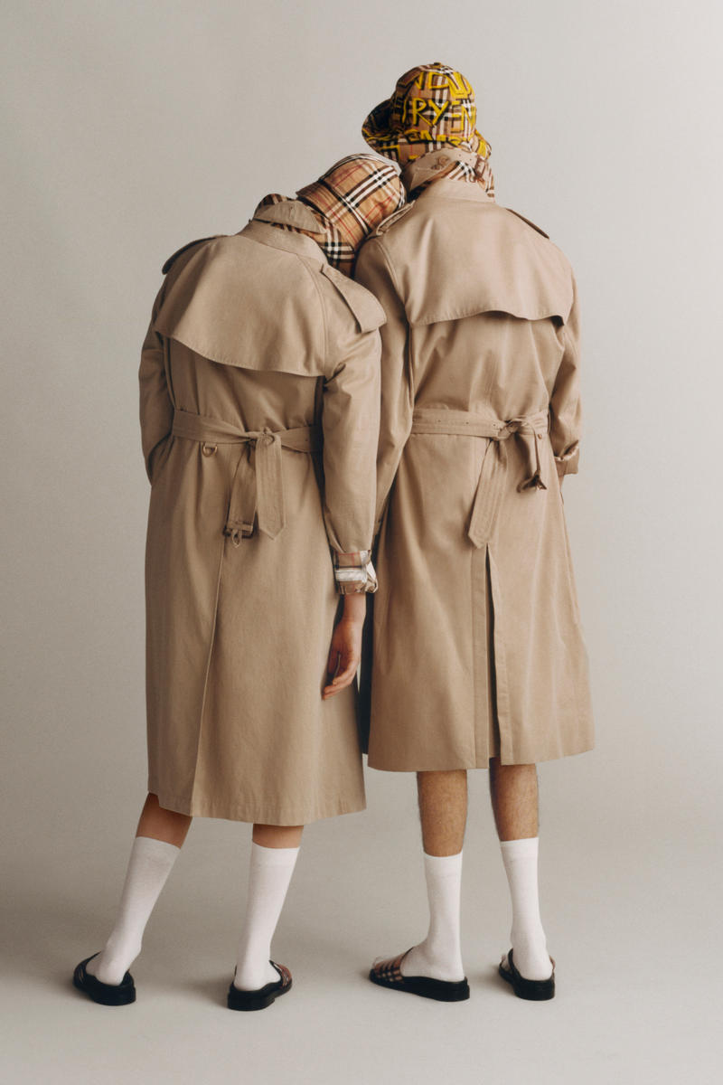 73869273186c Burberry Iconic Trench Coat Reimagined Beige Nova Check Heritage Check Red  White Black Print Jacket