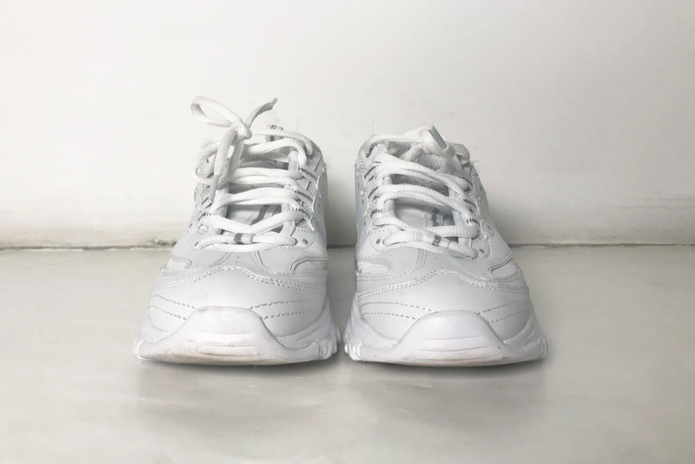 Review of the Skechers D'Lites Sneakers in White Dad Shoe Chunky Sneaker Trend
