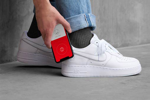 7143a05b8 Nike Air Force 1 NikeConnect Smartphone Sneaker
