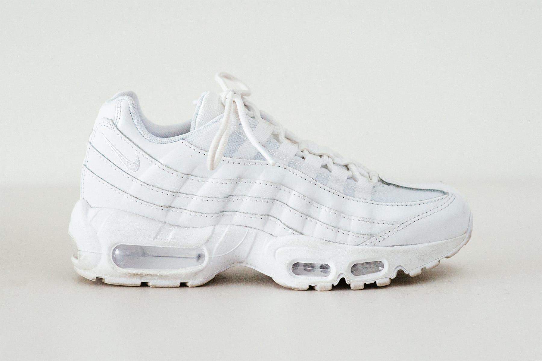 air maxes 95 white