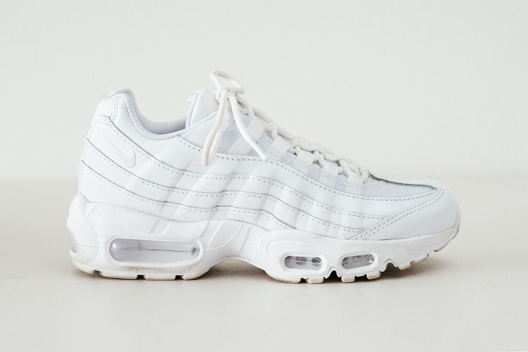 nike air max 95 all white