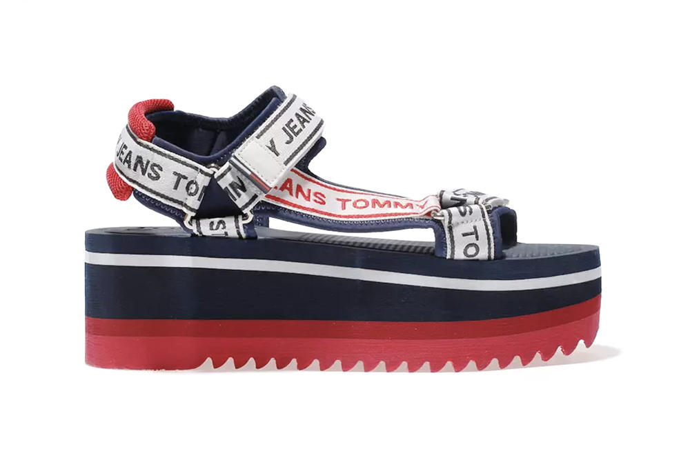 3a8eee79df9 Tommy Hilfiger 90s Flatform Sandals TJ Tech Navy Red White Logo Retro Black  White Schuh Where