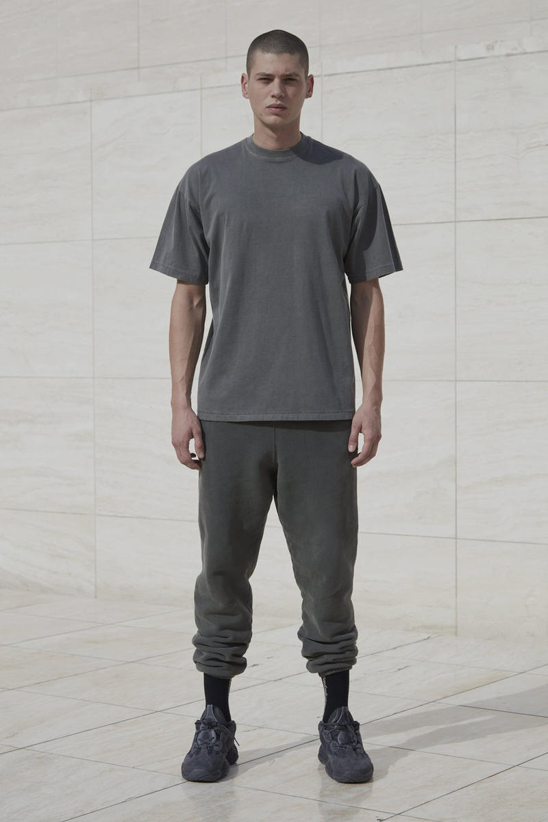 YEEZY Season 6 Classic T-Shirt Gravel