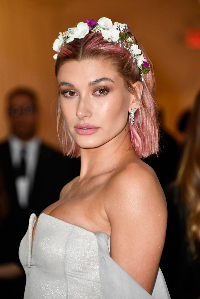 Five Hairstyles to Try out This Summer Hailey Baldwin Ariana Grande Selena Gomez Zendaya Hair Beauty Looks Pink Blonde Highlights Curls