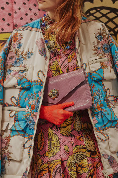 Gucci Cruise 2019 Runway Details Pink Clutch Orange Gloves