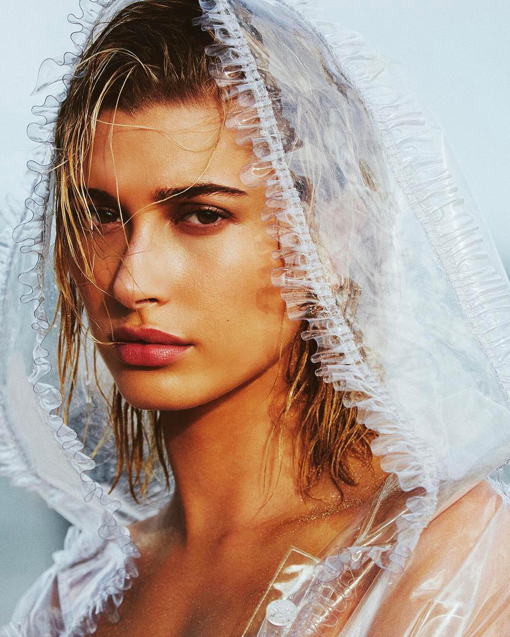 Hailey Baldwin Elle Italia June 2018 Magazine Cover Editorial Sea Ocean Clear Hood Jacket