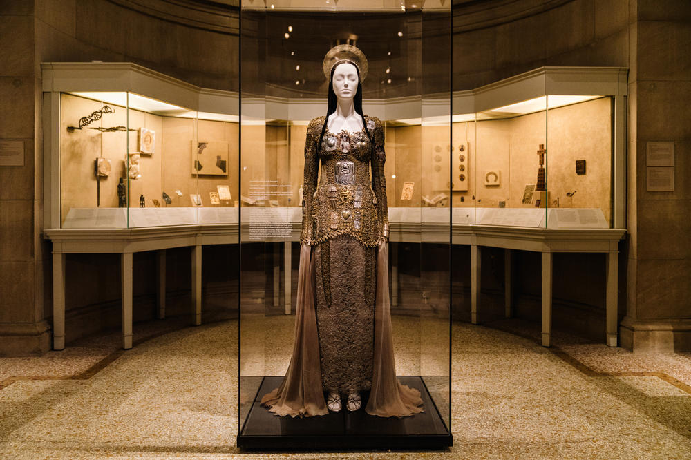 Metropolitan Museum of Art Heavenly Bodies Fashion and the Catholic Imagination
