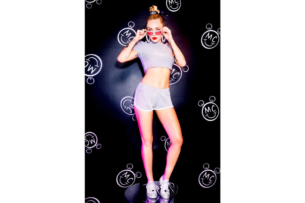 Miley Cyrus Converse Chuck Taylor All Star Platform Pink White Black Lookbook
