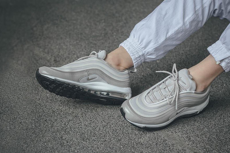 low priced f5488 5c640 nike air max 97 ultra moon particle leather canvas mesh on foot cement  concrete white track