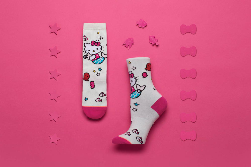 Sanrio Stance Hello Kitty Socks Fuchsia
