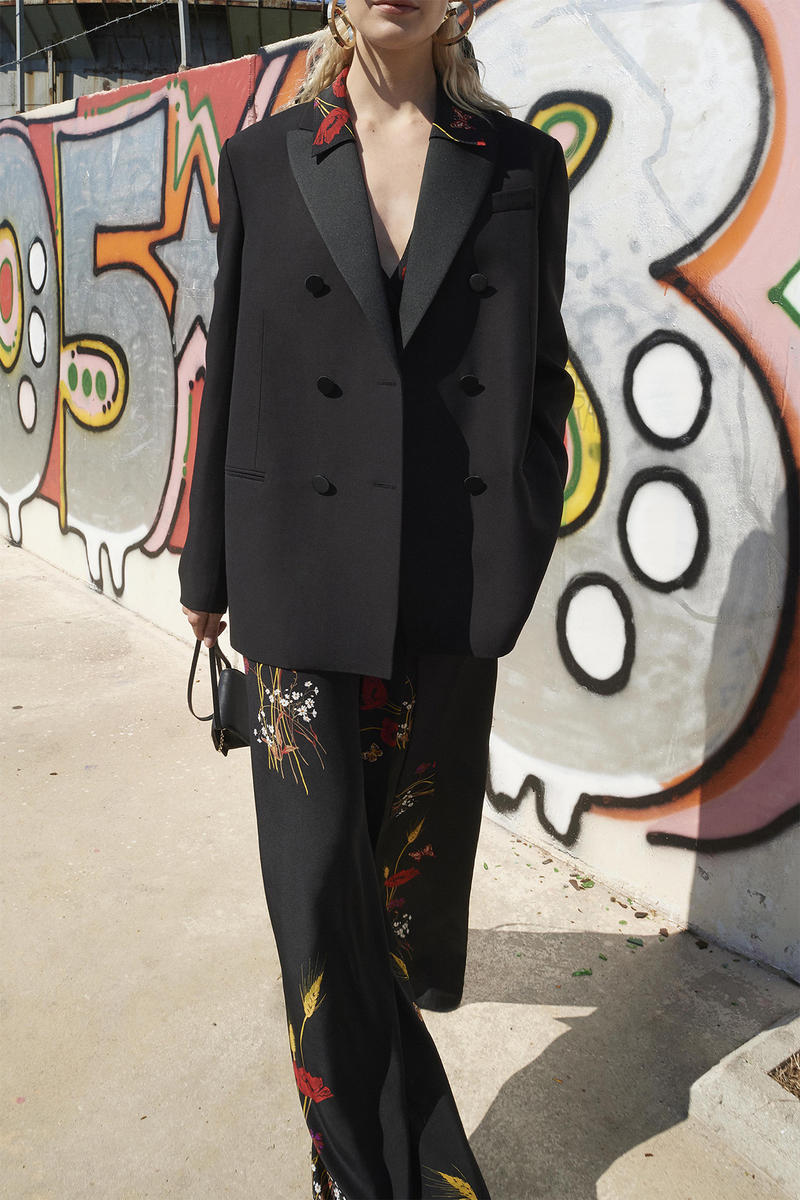 014d377af1d valentino resort 2019 lookbook collection vogue Pierpaolo Piccioli rome  roma street style