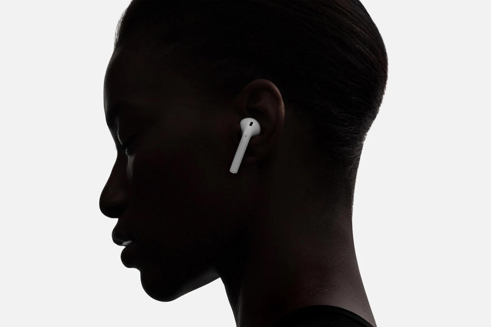 noise cancellation apple airpods earphones water resistant rumors