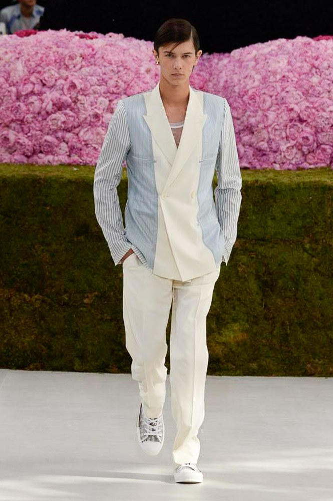 Dior Homme Spring Summer 2019 Runway Show Paris Fashion Week Men's Kim Jones Yoon Ahn Kaws Suit Look 1