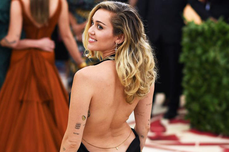 Miley Cyrus Met Gala 2018 Stella McCartney Gown Black