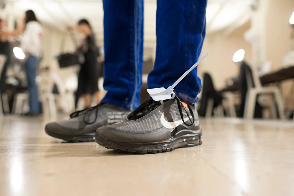 Off-White Virgil Abloh Menswear Spring/Summer 2019 Paris Fashion Week Men's Collection Backstage Nike Air Max 97 Black