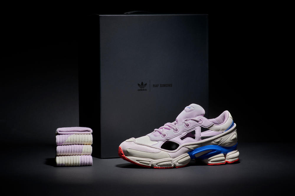 low priced d3965 1ae08 Raf Simons x adidas Ozweego