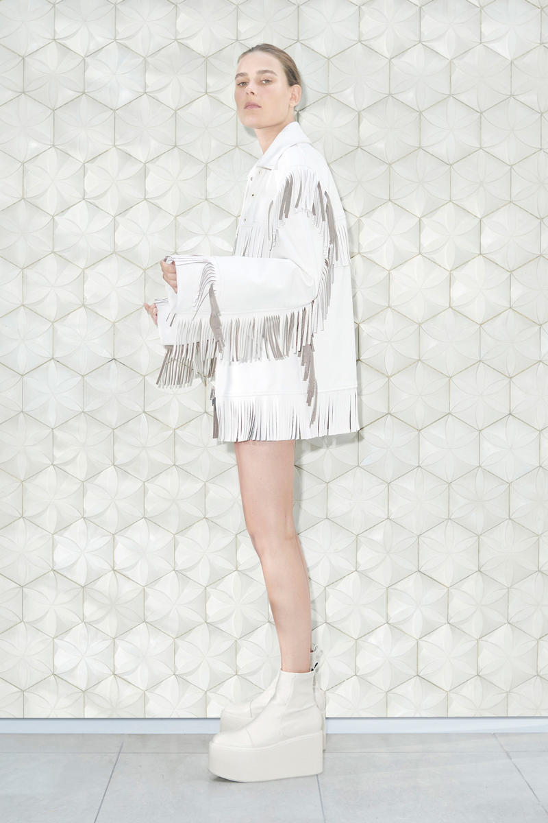 55a3faacc6fe5 Following a theme of airy yet chic minimalism. Stella McCartney Spring/Summer  ...