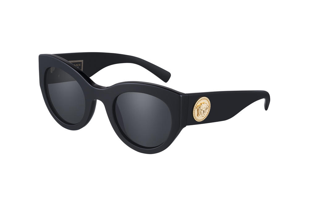 c21736b5ff Versace Tribute Fall Winter 2018 Sunglasses Collection Oversized Black Gold