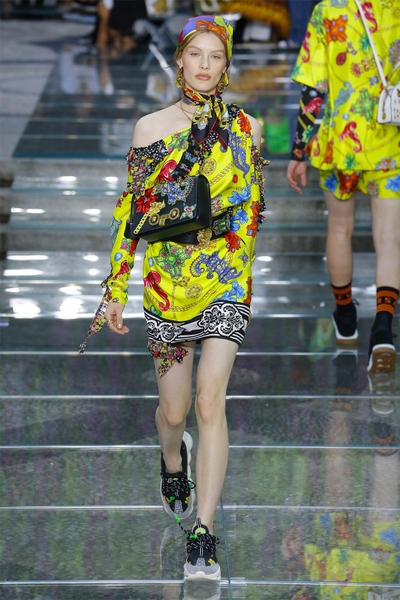 Versace Spring Summer 2019 Mens Runway