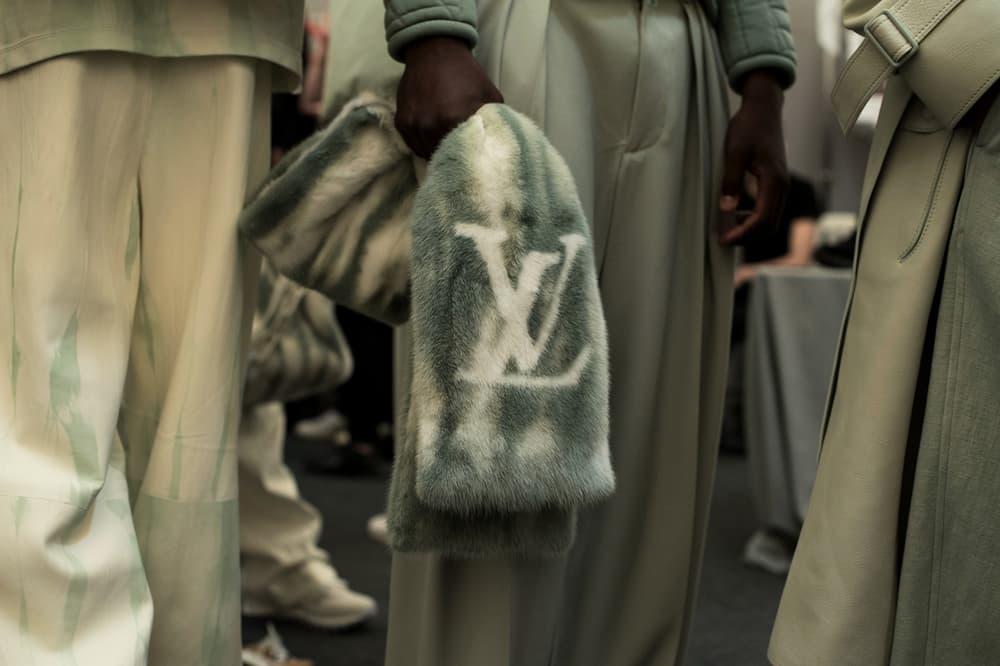 Louis Vuitton Men's Spring/Summer 2019 Show Paris Fashion Week Backstage Logo Fur Stole White Grey