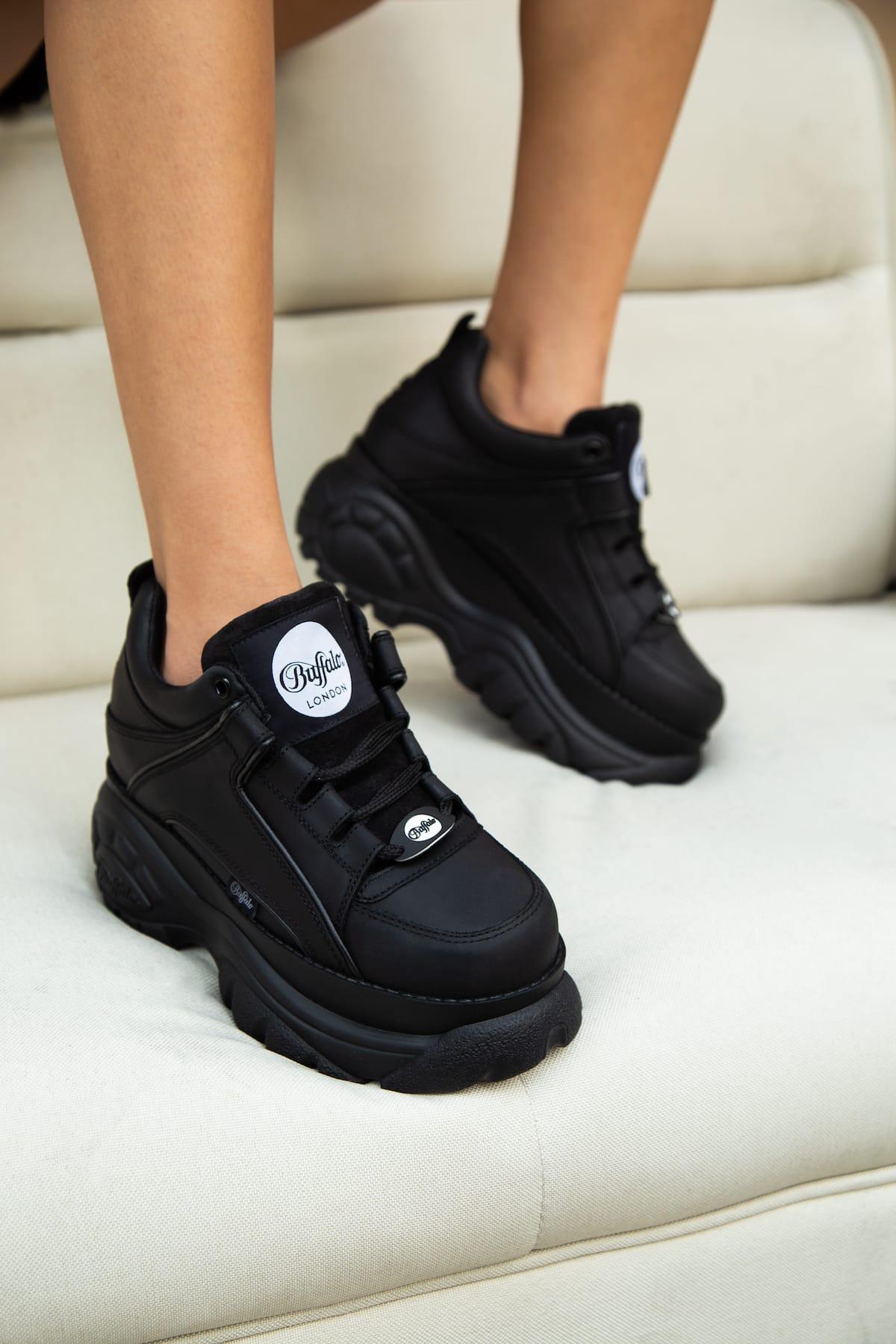 Buffalo London Low-Top Sneakers in