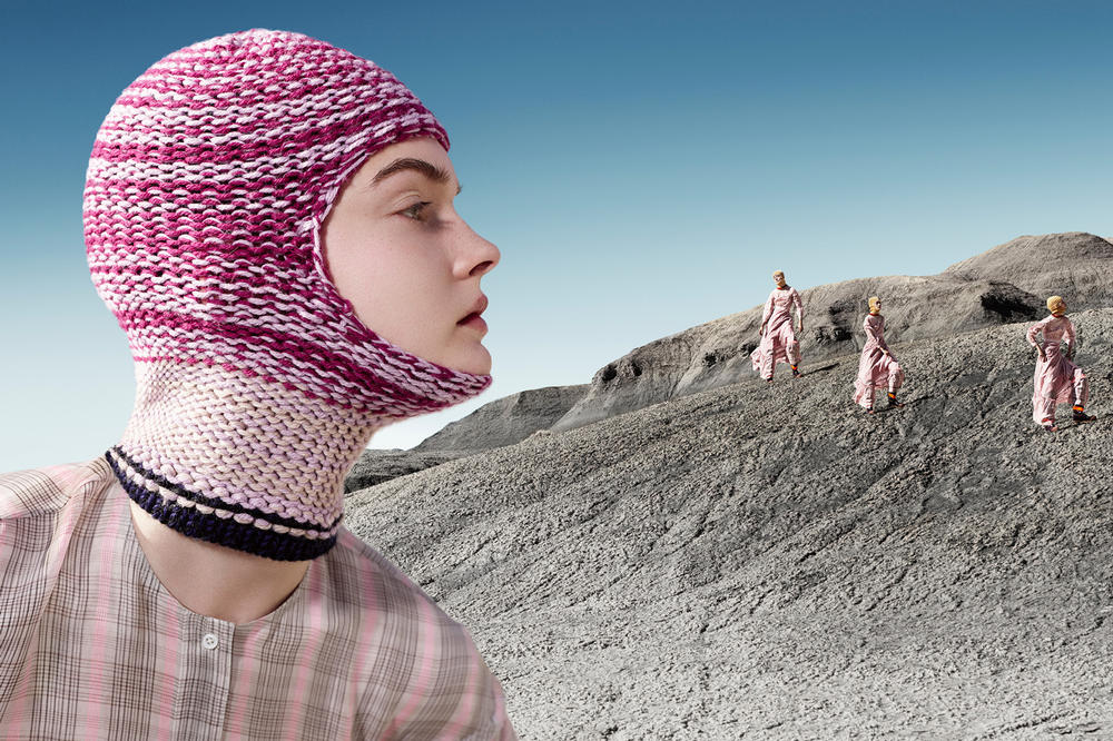 CALVIN KLEIN 205W39NYC Fall 2018 Campaign Knit Mask Sweater Pink