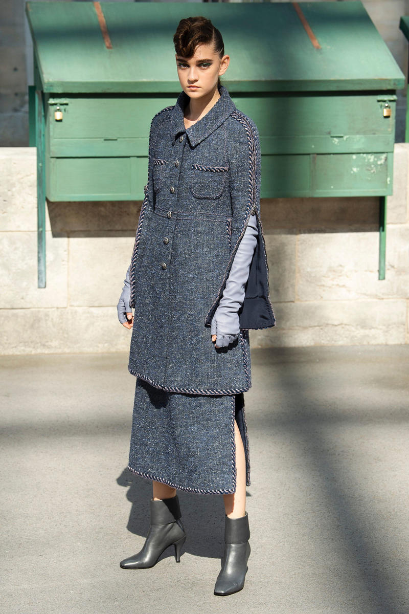 Chanel Fall 2018 Couture Show Collection Blazer Skirt Blue Gloves Grey