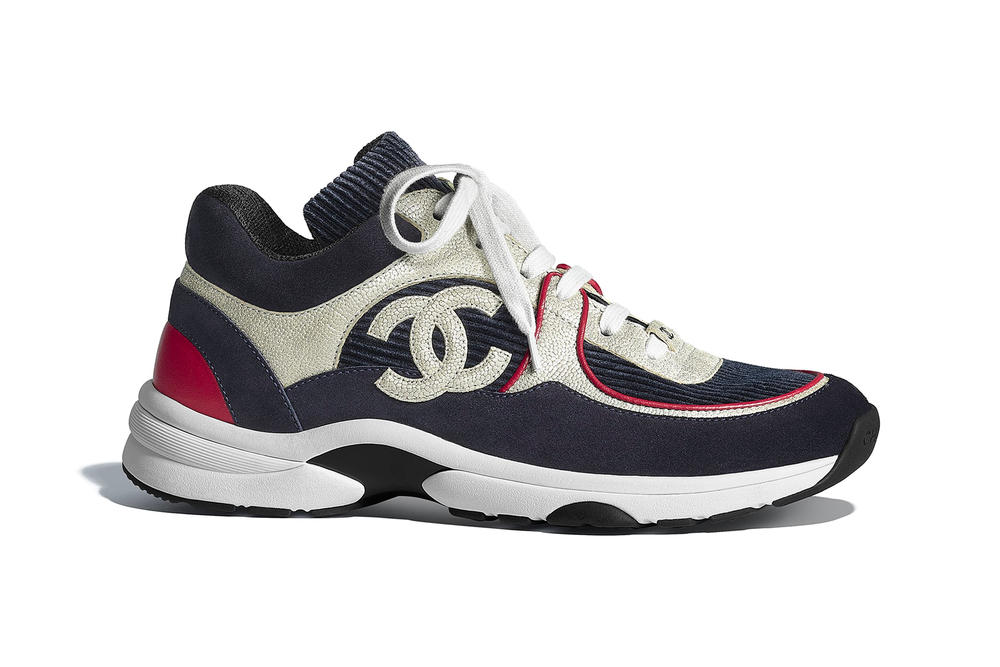 chanel metiers d'art sneaker logo calfskin velvet navy blue red white