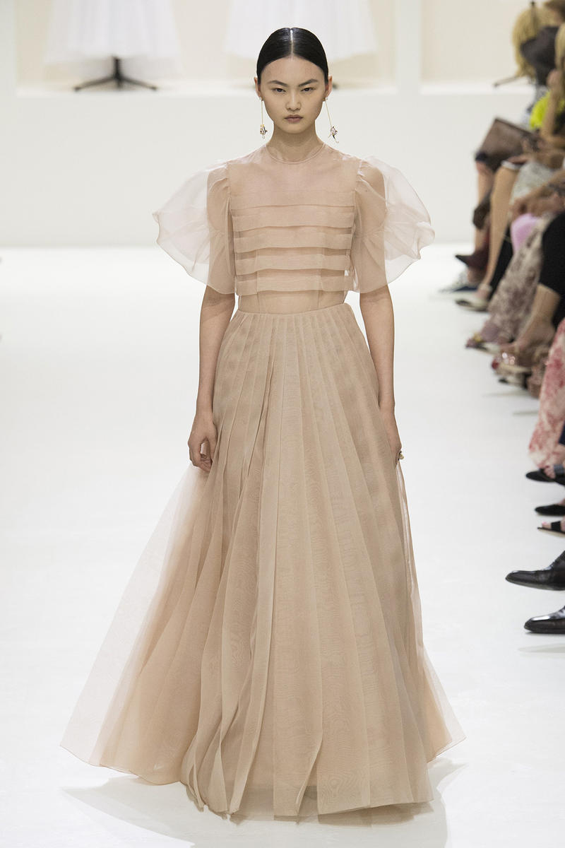 Christian Dior Fall 2018 Couture Show Collection