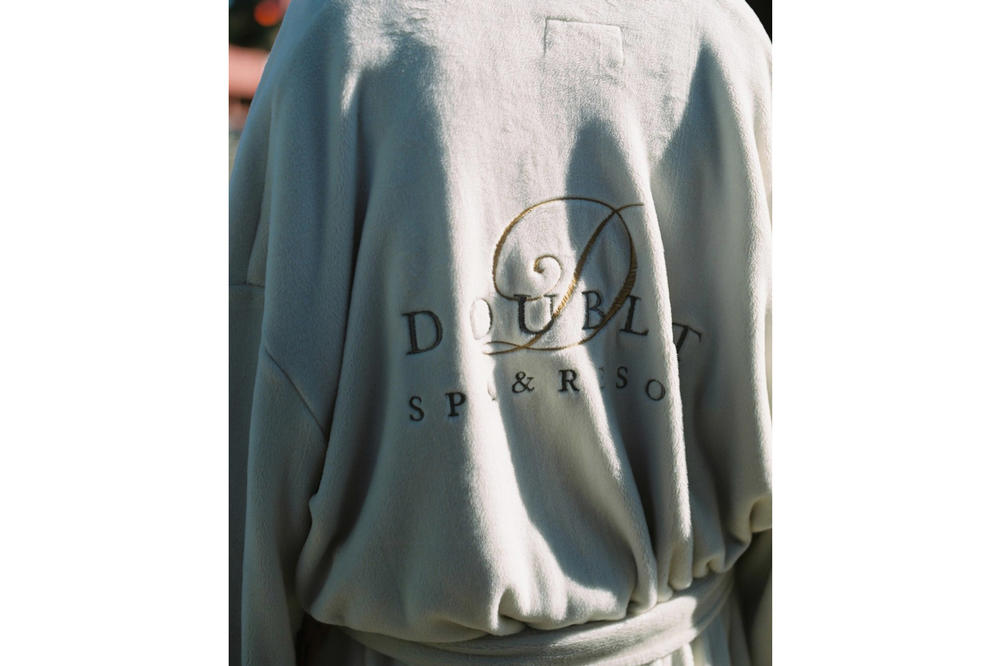 doublet Fall/Winter 2018 Lookbook Logo Robe Cream Black Gold