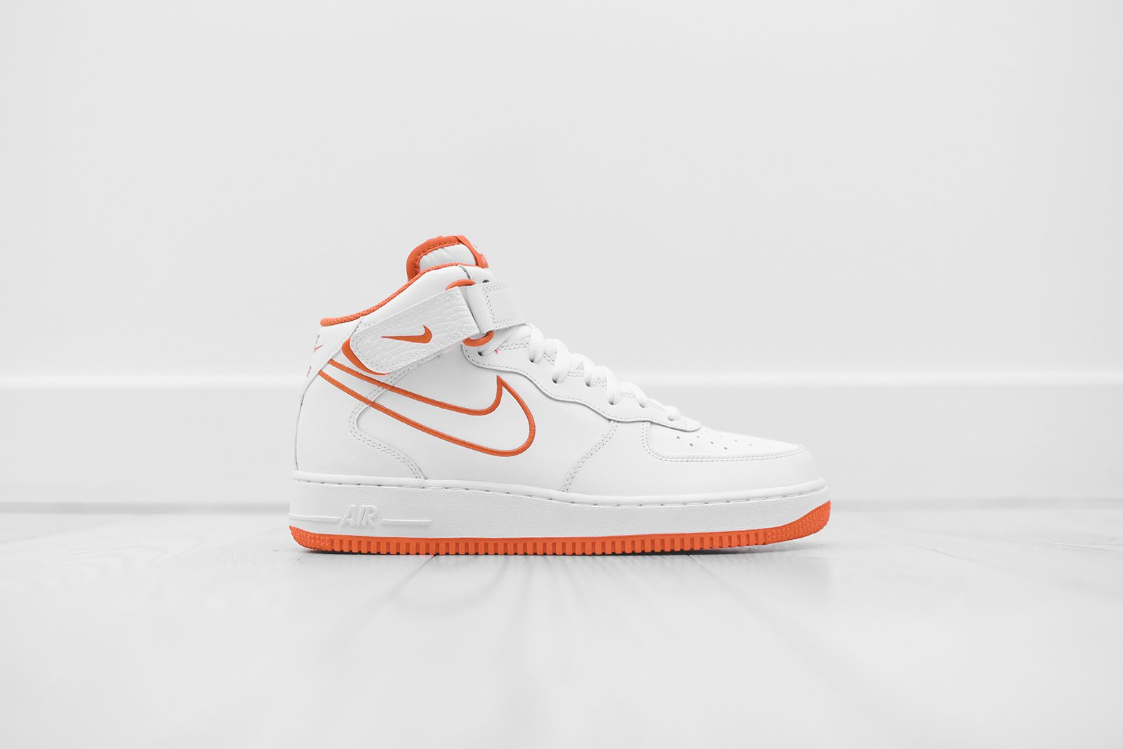 nike air force 1 mid strap
